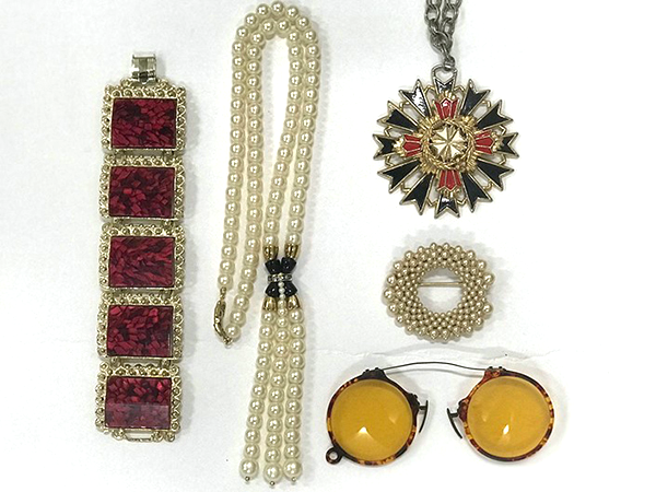 Items from a shopgoodwill vintage jewelry grab bag